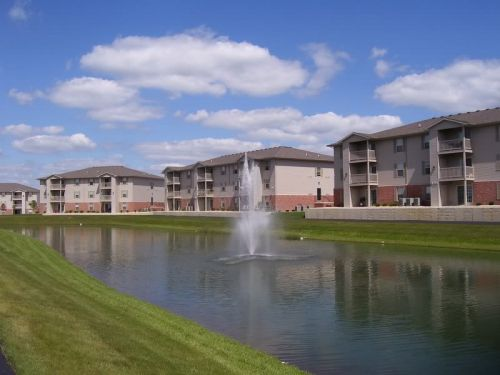 wingover in bloomington, il: apartments for rent